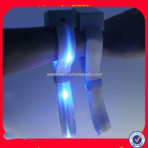 2014 high quality hot sales cheap fashional remote controlled led wristband wholesale