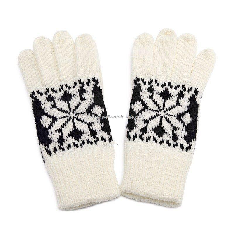 Classic snowflake gloves